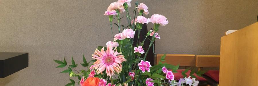 2017 母の日礼拝 講壇のお花
